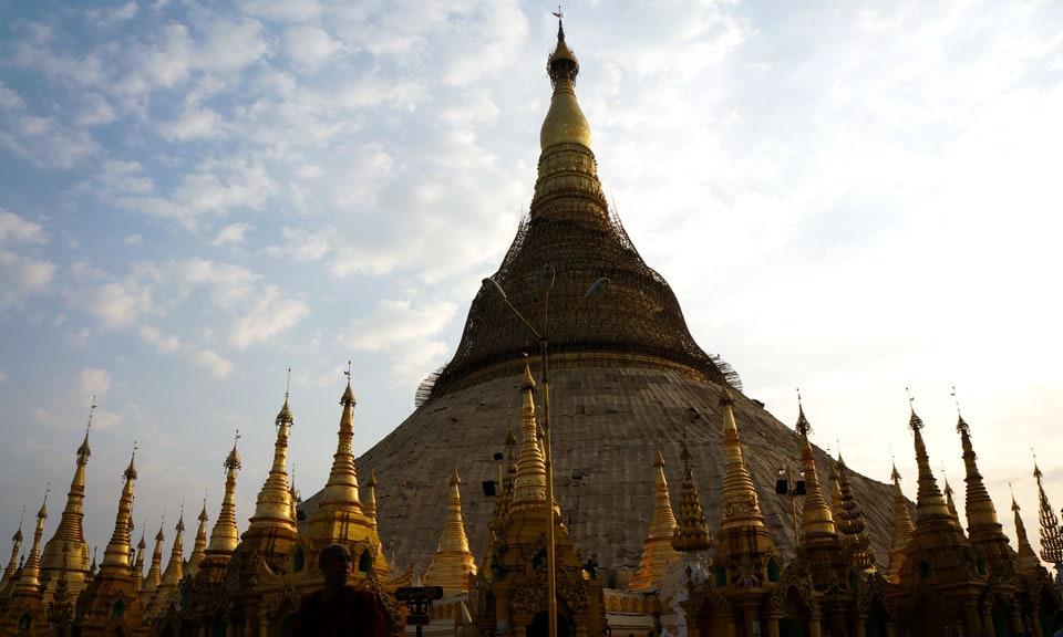 stunning Shwedagon Pagoda in Yangon Myanmar