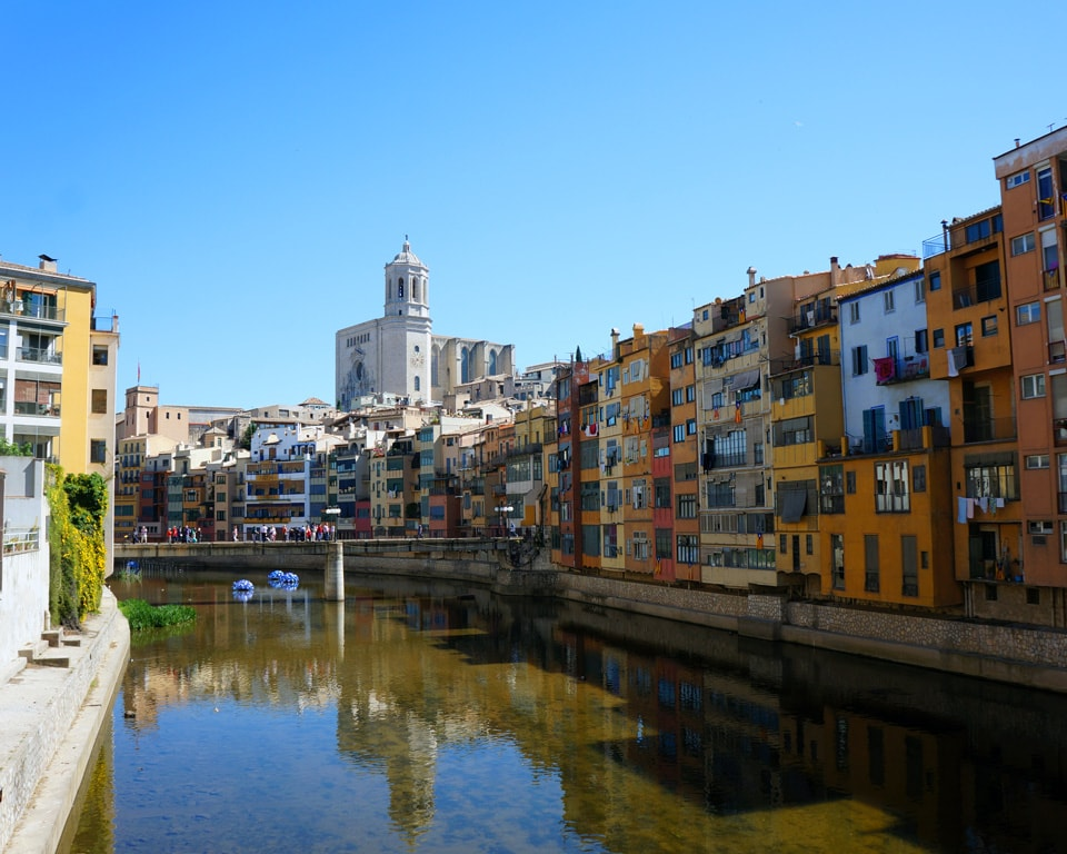 Cases de l'Onyar that overlook the Onyar River, Girona