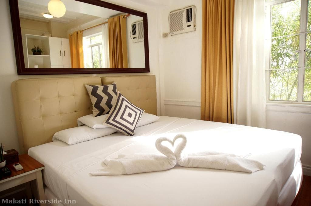 Where Is The Best Place To Stay In Manila Philippines
