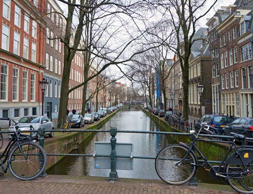 More Than Red Light District & Stroopwaffles – The Awesome 4-Day Itinerary To Amsterdam