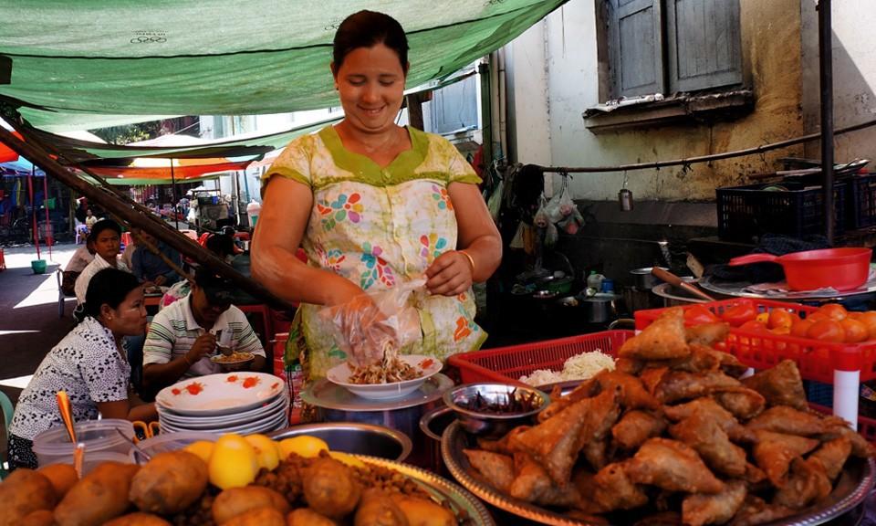 burmese street food in Yangon Myanmar