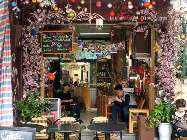 Cafe Scene Hanoi